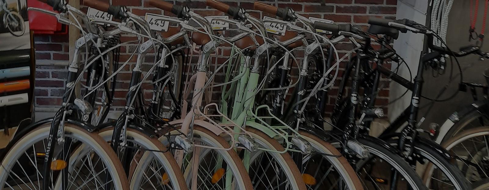 Arrivage de vélos de ville neufs Peugeot LC01 D7 et MBM Boulevard